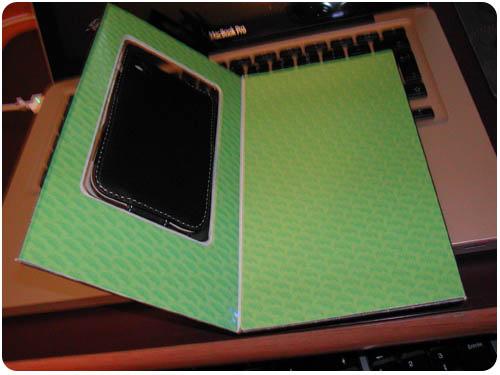 21 Test   Proporta : Housse Simili Cuir Noir / Blanc pour iPhone 3G / 3GS