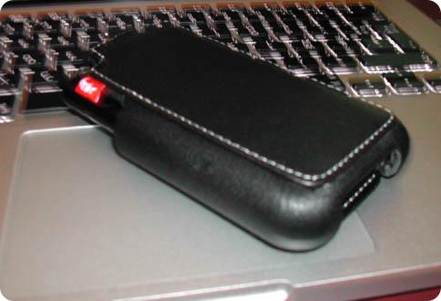 51 Test   Proporta : Etui Cuir Noir pour iPhone 3G / 3GS