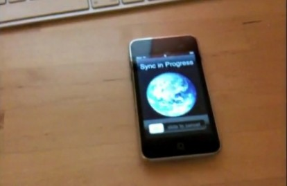 wi fi sync wirelessly sync the iphone with itunes... in your dreams video engadget 414x269 News   Il serait possible de synchroniser son appareil en wi fi ! [Vidéo] [EDIT]