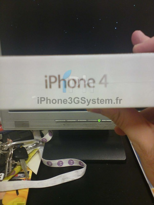 18 500x666 News Exclue iPh   iPhone 4 : Photos des stocks opérateurs français