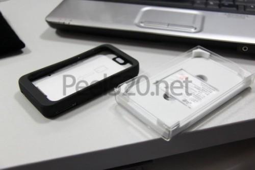 peel 520 3 530x3531 500x333 News   Peel 520 : Lappareil qui transforme votre iPod Touch en iPhone est disponible !