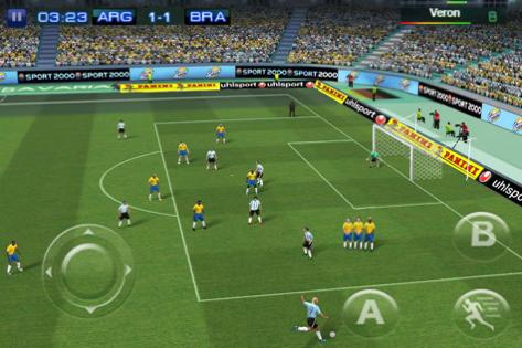 Capture d'écran 2010 10 02 à 14.52.18 Jeux   Fifa 11 vs Real Football 2011 sur iPhone