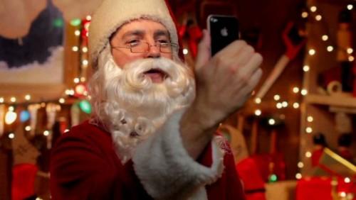 1154 500x282 News   Apple publie une nouvelle PUB pour liPhone 4 version Noël