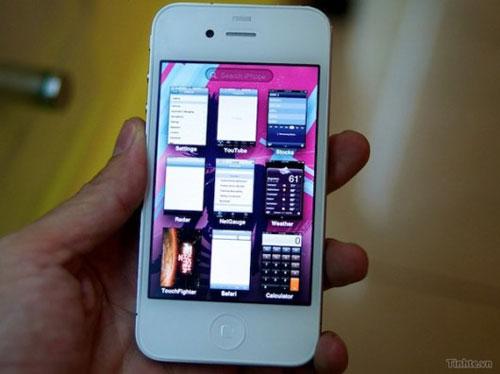 iOS5 Rumeurs   Une vidéo dun iPhone blanc tournant sous liOS 5