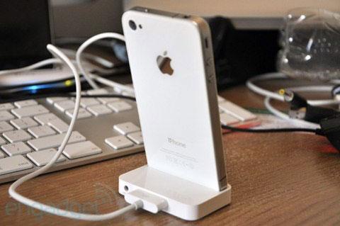 iph4 News   LiPhone 4 blanc prévu pour le 27 Avril ? Déjà des photos !