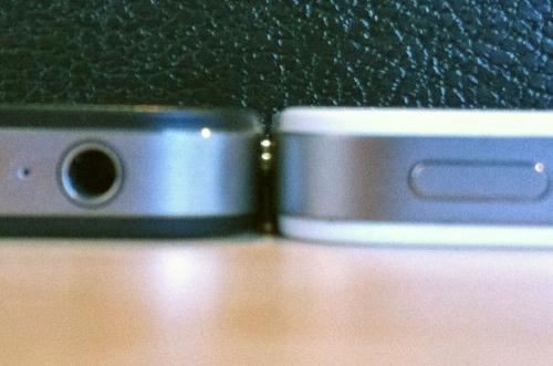 tumblr lkdqloqqyw1qa45ly News   LiPhone 4 blanc est plus épais que liPhone 4 noir