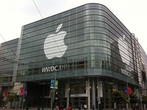 y8kfem 500x373 News   La file dattente pour la WWDC a déjà commencé [MAJ CONTINUE]