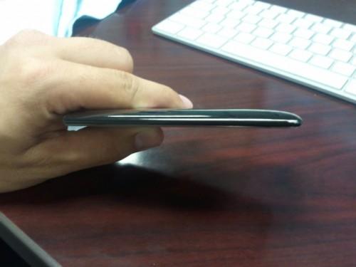 iphone 5 side 500x375 News   Un faux déballage de liPhone 5 en vidéo