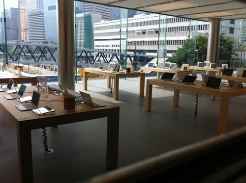 18 Ouverture en vidéo de lApple Store de Hong Kong à LIFC Center