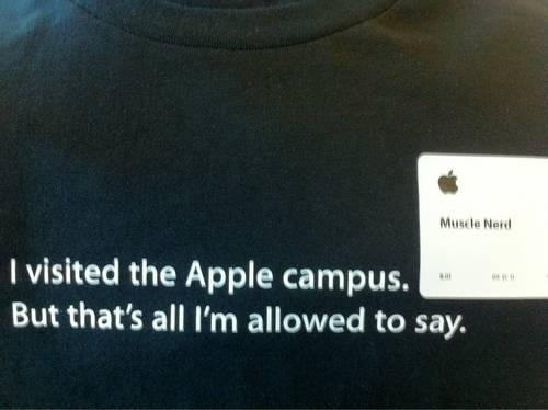 teeshirt MuscleNerd MuscleNerd en stage chez Apple
