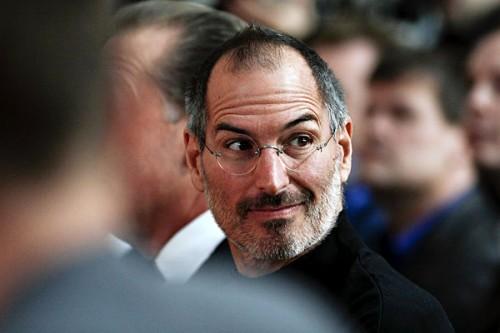 steve jobs1 500x333 Lorigine du nom Apple, la vraie