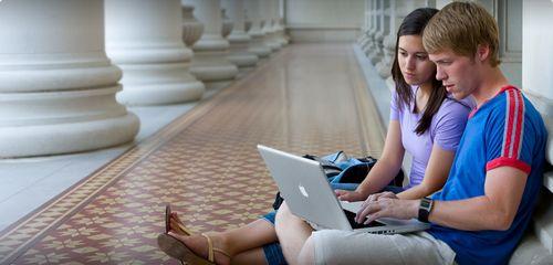 student hero20110208 Un tiers des étudiants américains possède un iPhone