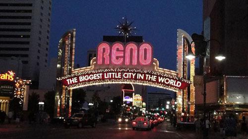 reno nevada neon sign Le quatrième centre de données Apple sera dans le Nevada