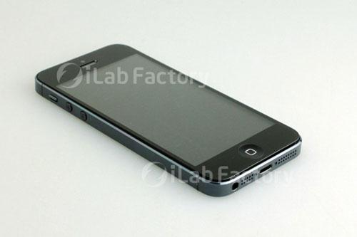 iphone51 iPhone 5 : des photos et une vidéo dun modèle assemblé
