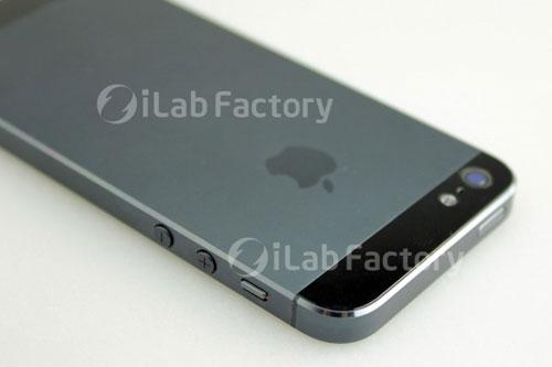 iphone52 iPhone 5 : des photos et une vidéo dun modèle assemblé