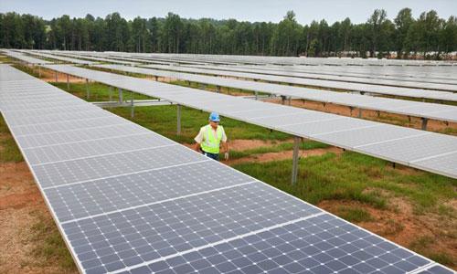 parc apple iph Maiden Data Center : photos aériennes du parc de panneaux solaires