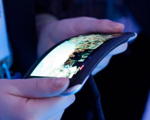 Flexible display closeup 500x400 Apple à la recherche dun ingénieur spécialisé dans les écrans flexibles