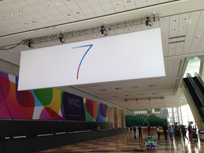 wwdc 2013 03 Nouvelles photos du logo iOS 7 et découverte du logo Mac OS X