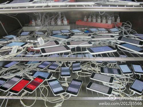 iphone 5c test LiPhone 5C serait en phase de test chez Pegatron
