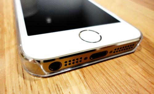 photos coque zero 5 03 500x306 ZERO 5/5S : 0.5mm pour protéger votre iPhone 5/5S