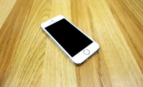 photos coque zero 5 06 500x306 ZERO 5/5S : 0.5mm pour protéger votre iPhone 5/5S