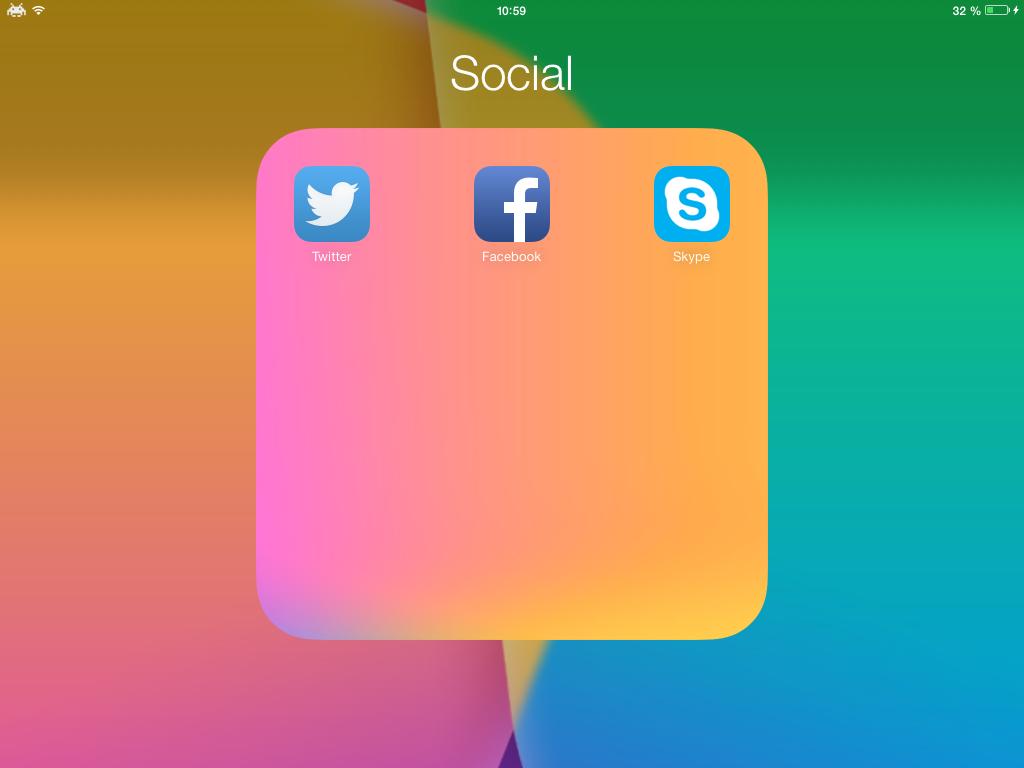 ClearFolders 0 Cydia : ClearFolders, supprimez le fond blanc des dossiers iOS 7