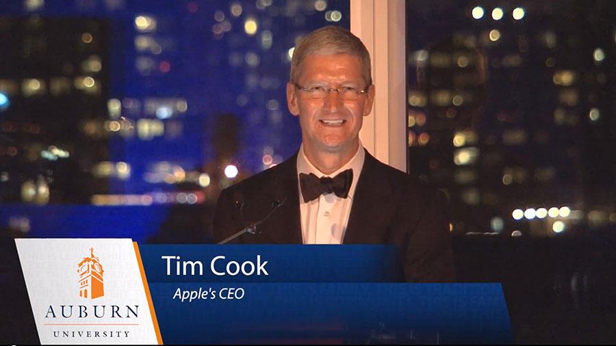tim cook auburn Tim Cook toujours plus puissant