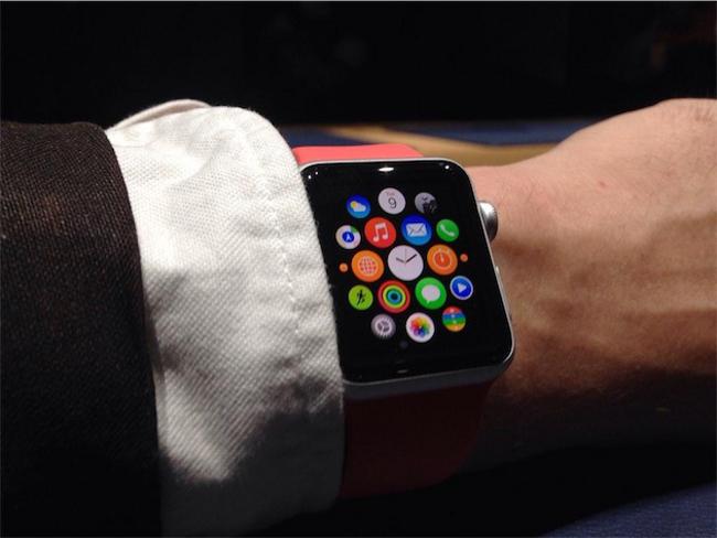 Apple Watch 6 Apple débauche de nouveau chez Burberry
