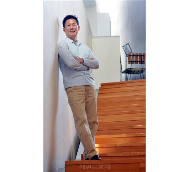 samsung embauche Don tae Lee Un lien entre Jony Ive et le nouveau patron du design de Samsung