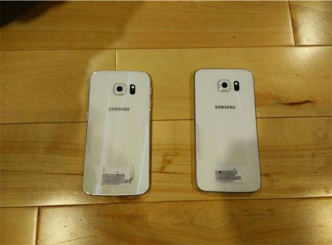 les deux galaxy S6 dos Les deux Galaxy S6 cette fois ci en image