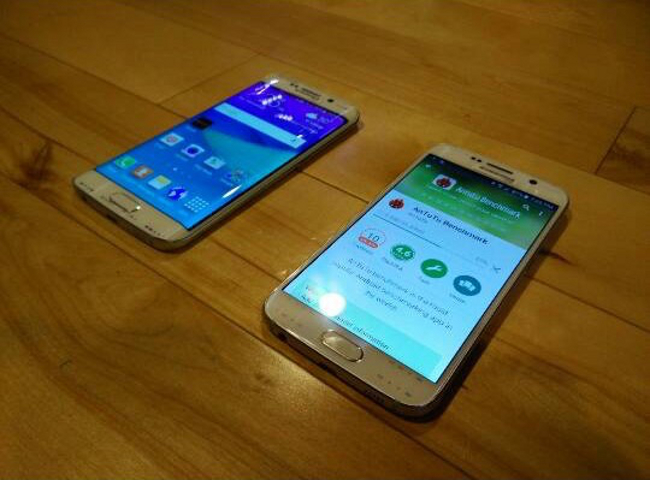 les deux galaxy S6 face Les deux Galaxy S6 cette fois ci en image