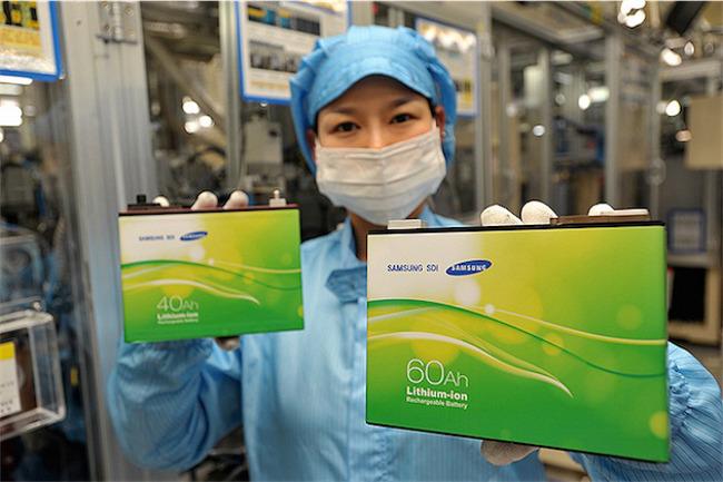 samsung rachete la division batterie de Magna Steyr Automobile: Samsung met des bâtons dans les roues dApple