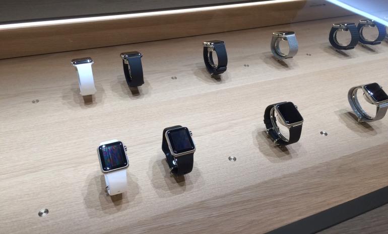 apple watch test en magazin 002 Apple Store: Voici comment va se passer lessai de lApple Watch