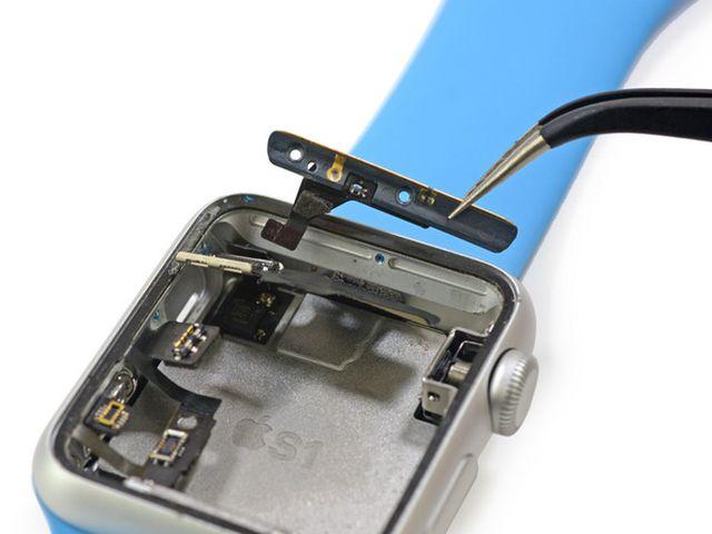 J5bdqsmyPCI2dniE iFixit démonte lApple Watch Sport en direct
