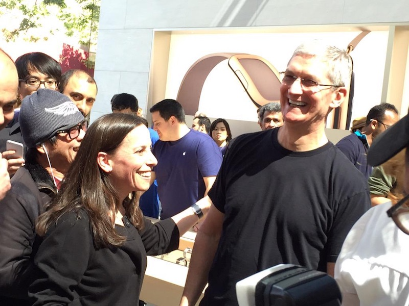 cook palo alto watch Tim Cook était hier à lApple Store de Palo Alto