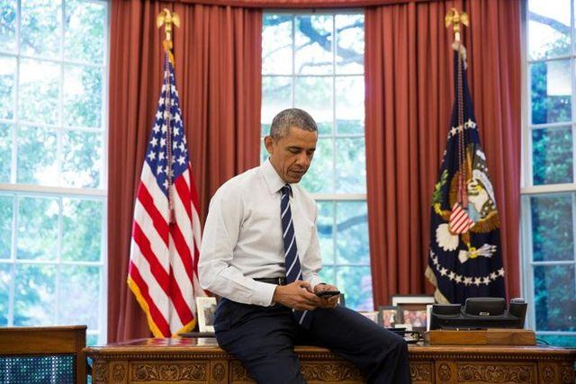 12927 7234 CFTd1Q6WIAA1Bvl l Barack Obama inaugure son nouvel iPhone avec son premier Tweet