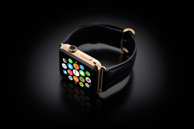 golden dreams geneva apple watch gold 08 Bonne idée du jour : Une Apple Watch plaquée or pour 4000 dollars (hors Apple Watch)