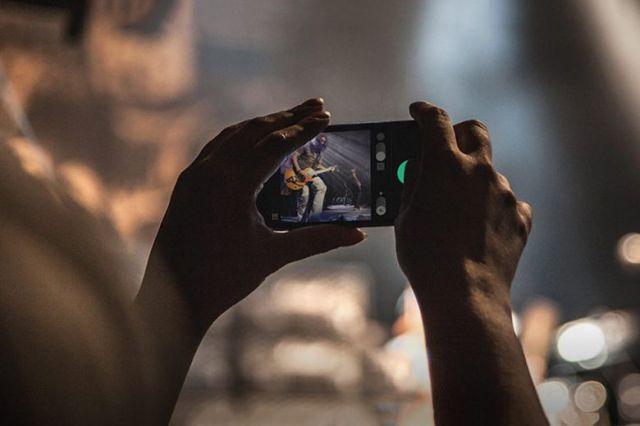 whitealbum app disposable camera iphone 1 640x426 Le futur du cinéma repose sur liPhone selon Disney