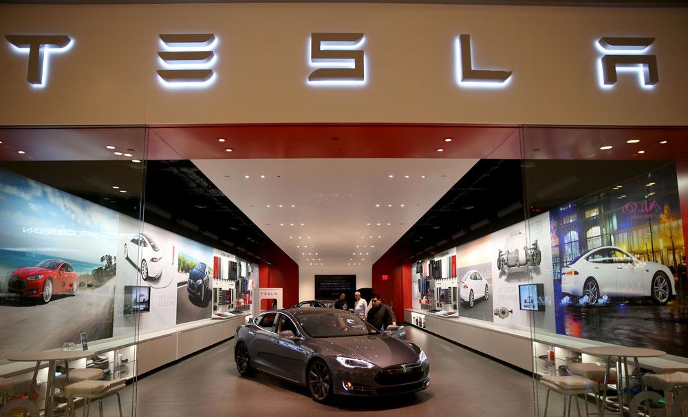 tesla Apple débauche chez Tesla pour un « projet spécial »