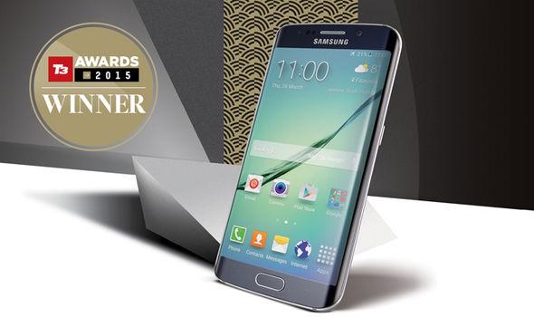 Smartphone of the Year Smartphone of the Year 2016 Phone of the Year 2016 T3 Awards Winner T3 Awards Samsung Galaxy S6 Edge Appl 348494 LApple Watch nommée gadget de lannée !