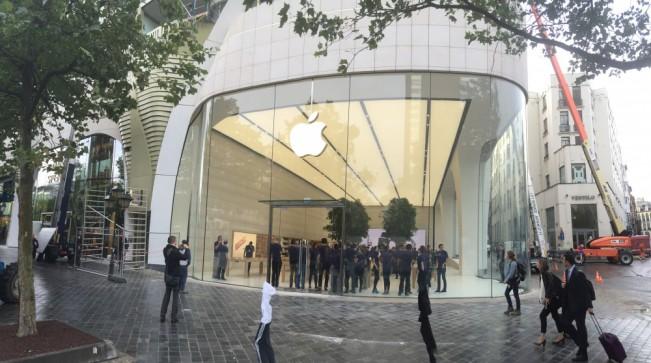 apple store bruxelles e1442404322388 Le superbe Apple Store de Bruxelles se dévoile en images