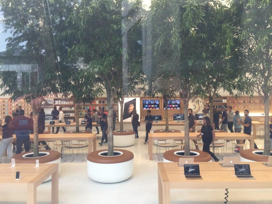 apple store bruxelles2 Le superbe Apple Store de Bruxelles se dévoile en images