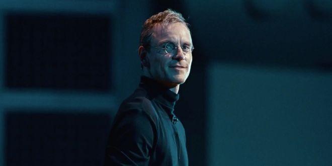 14702 10469 14473 10034 Michael Fassbender Steve Jobs Movie 2015 l l Le dernier biopic de Steve Jobs ne décolle pas