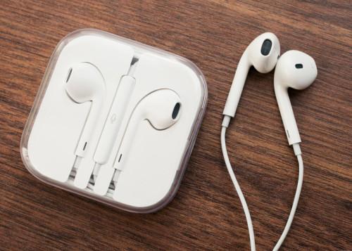 apple earpods1 500x357 [TUTO] Tout savoir sur les écouteurs dApple Earpods !
