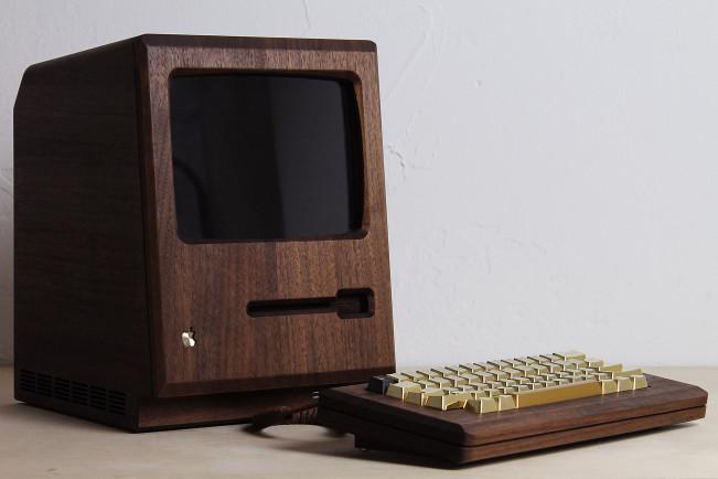 the golden apple e1445331901574 Vidéo : un Macintosh en bois fonctionne sous OSX
