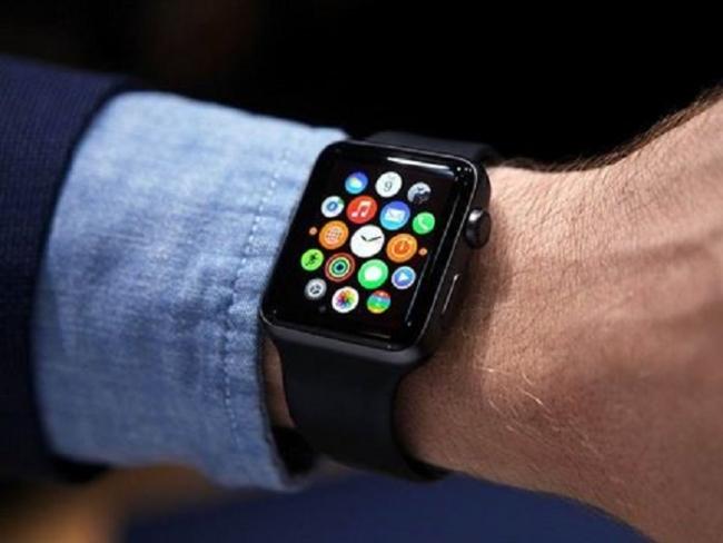 apple watch Apple Watch : statuts Facebook et tweets avec DoublePost !