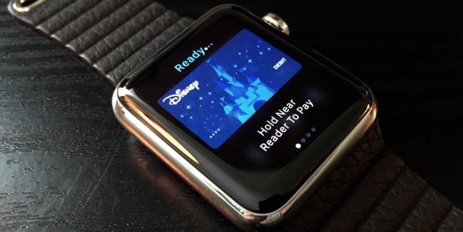 apple pay watch e1449077461210 40 banques supplémentaires sassocient à Apple Pay