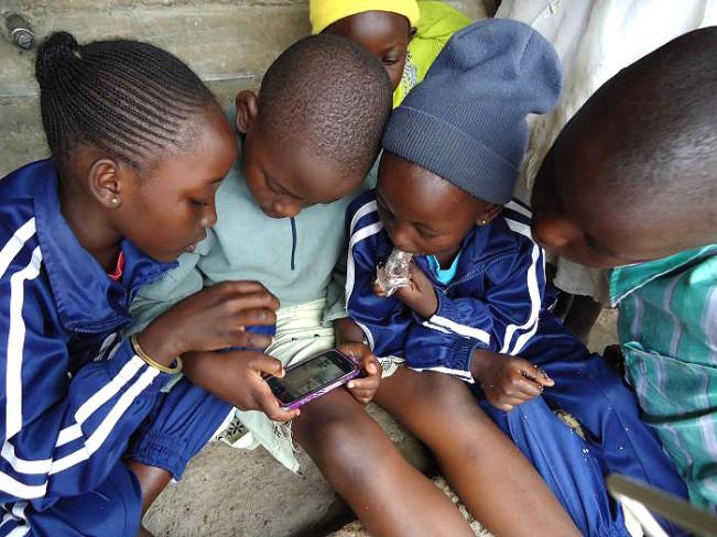 iphone africa e1451587055380 L'Afrique et le Moyen Orient sont les prochaines cibles d'Apple