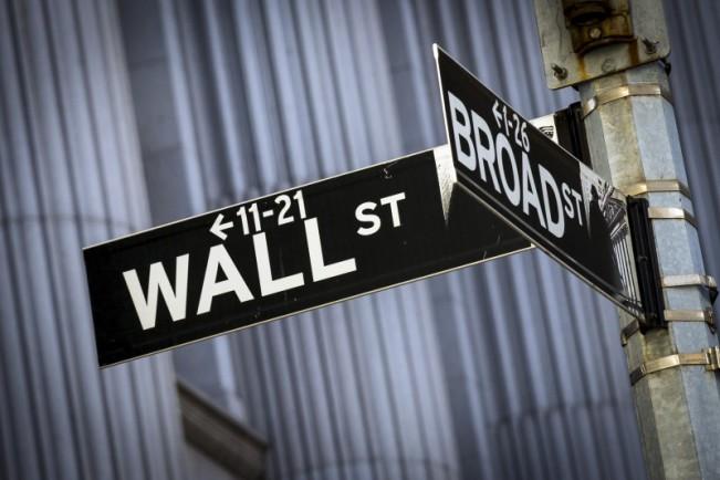 wall street e1454579049581 Bourse : Apple de nouveau N°1 devant Google