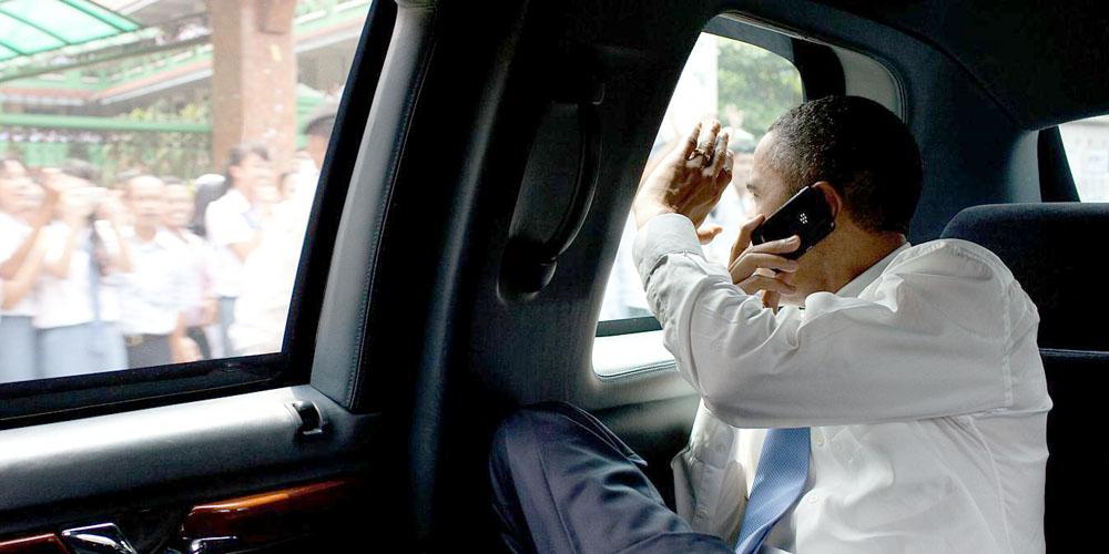 obama bb Maison blanche : le personnel autorisé à utiliser des iPhone contrairement à Obama